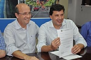 Pesaro promete R$500 pra Saúde