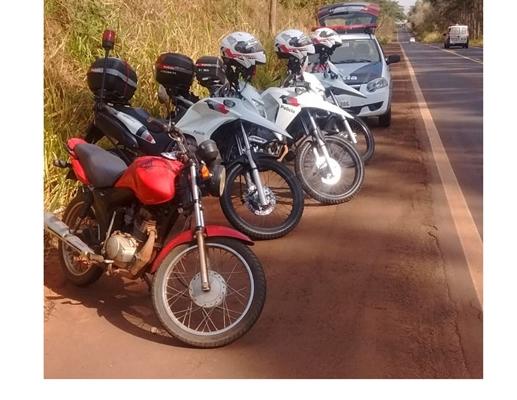 DOIS JOVENS E UMA CRIANÇA DE 11 ANOS ESTAVAM COM MOTOS FURTADAS