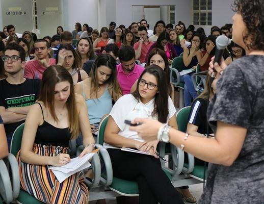 CURSO DE MEDICINA DEBATE ATUALIZAÇÃO E CASOS CLÍNICOS