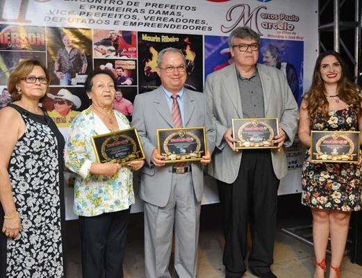 Representantes da Unifev são homenageados pelo 11º Melhores do Ano