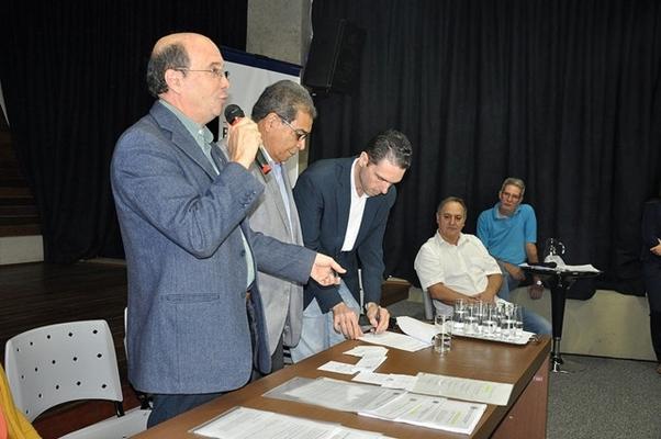Prefeito anuncia R$ 440 mil em crédito para o Banco do Povo