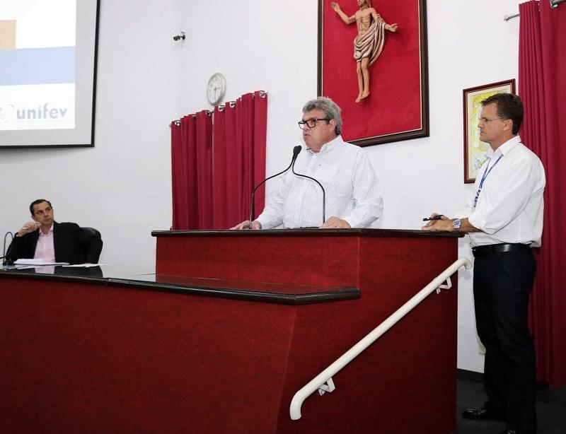 UNIFEV apresenta Hospital Veterinário a vereadores